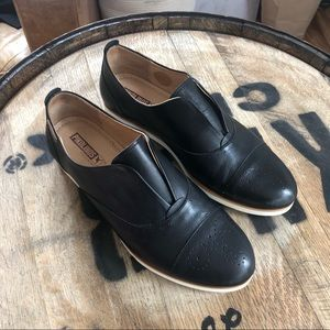 Pikolinos Santorini Black Leather Oxford Size 39